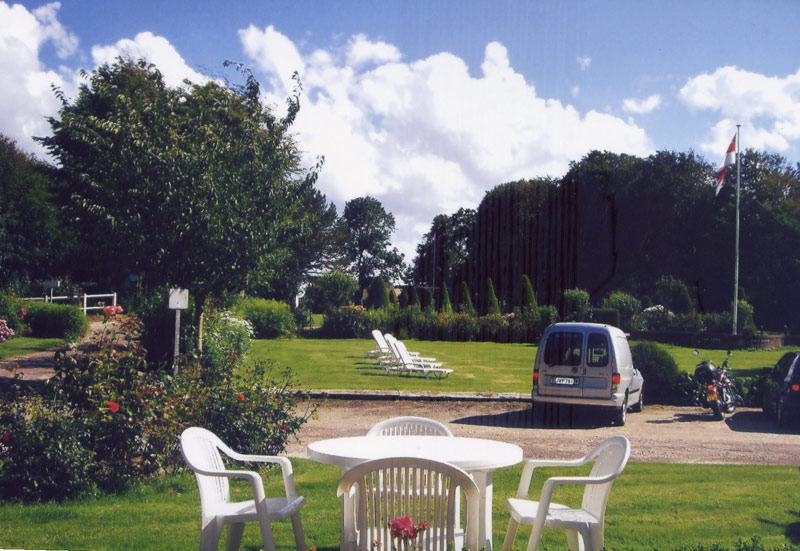 Camping en normandie au tr port for Camping au jardin